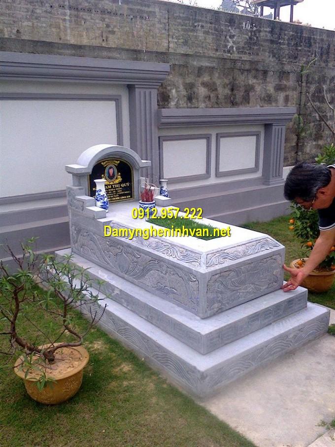 Lăng mộ đá vòm thiết kế đơn giản, màu sắc tự nhiên