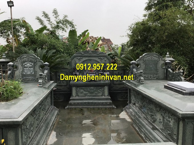 Lăng mộ đá xanh rêu cổ kính, đẹp mắt, lăng mộ đá cổ Ninh Vân