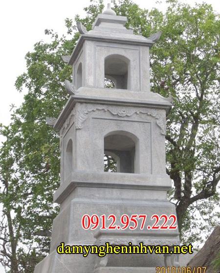 Xây mộ tháp bằng đá xanh nguyên khối