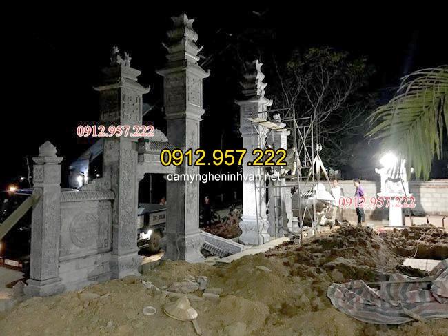 Nhìn góc chéo cổng đá nhà thờ họ tại Hà TĨnh