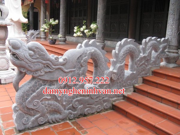 Rồng đá bậc thềm nhà thờ tổ -RDNT06, Rồng đá bậc tam cấp