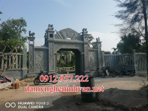 Cổng đá nhà riêng biệt thự đẹp tại Bắc Giang;