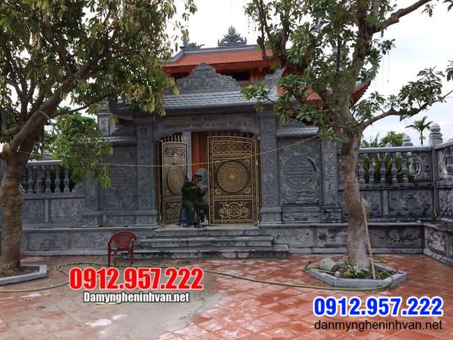 cổng nhà thờ họ bằng đá lắp đặt tại Hà Nội