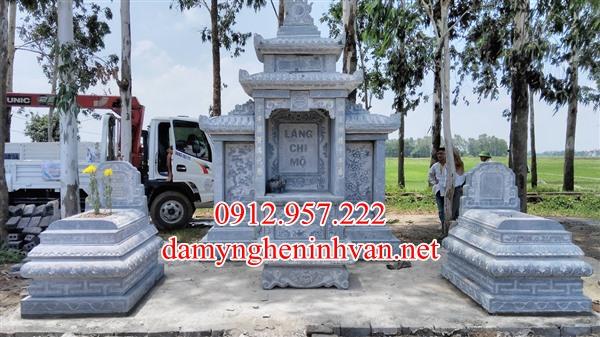 Làm lăng mộ đá xanh rêu tại Quảng Bình