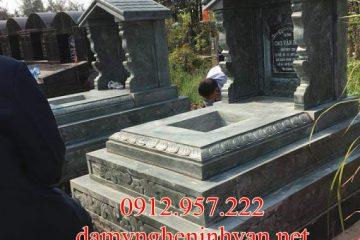 Làm mộ đẹp đơn giản bằng đá xanh rêu tại Thái Bình
