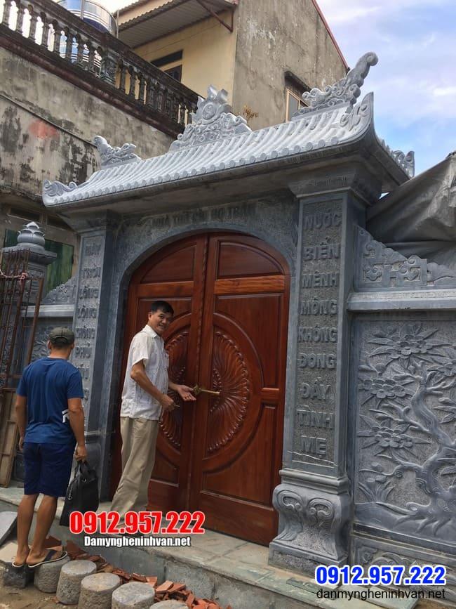 mẫu cổng nhà thờ họ bằng đá đẹp lắp đặt tại Hà Nội