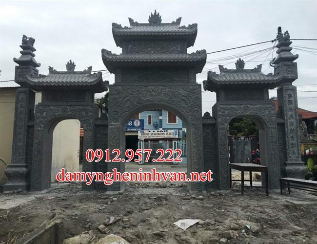 Mẫu cổng làng đẹp bằng đá xanh khối chế tác tại Ninh Bình