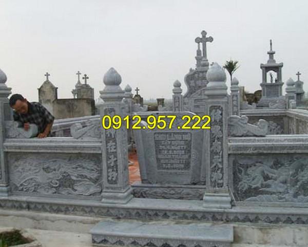 Mẫu cột cổng bằng đá xanh cho khu lăng mộ