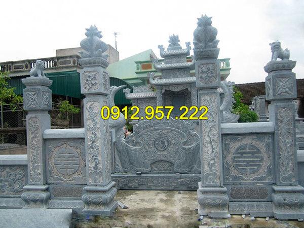 Cột cổng khu lăng mộ bằng đá đẹp