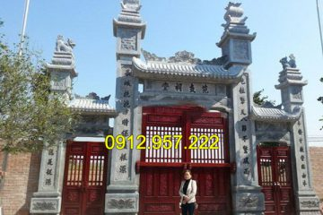 Địa chỉ làm cổng đền đẹp bằng đá xanh tự nhiên nguyên khối