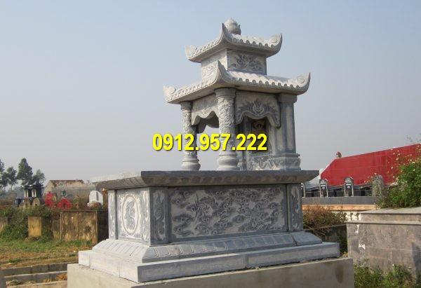 Ngôi mộ đá được làm từ đá xanh nguyên khối chất lượng cao