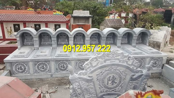Mẫu mộ mái vòm đá xanh rêu chất lượng cao