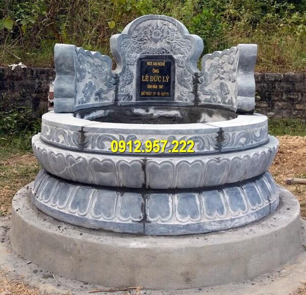 Mẫu mộ tròn được làm từ đá xanh rêu