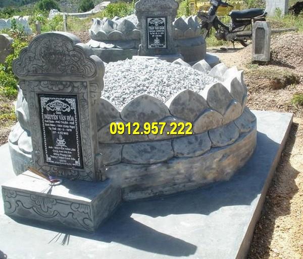 Thiết kế mộ đá tròn với hoa văn đài sen Phật Giáo