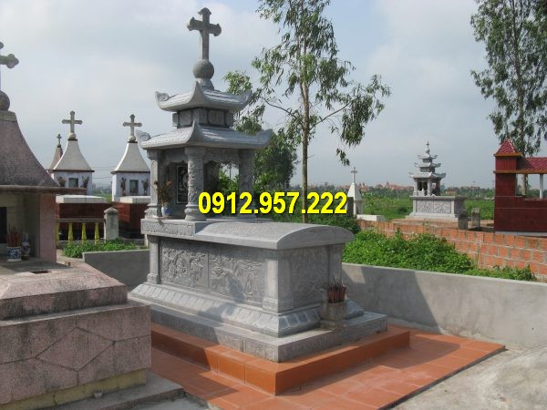 Mộ đá công giáo được chế tác tại Đá mỹ nghệ Thái Vinh