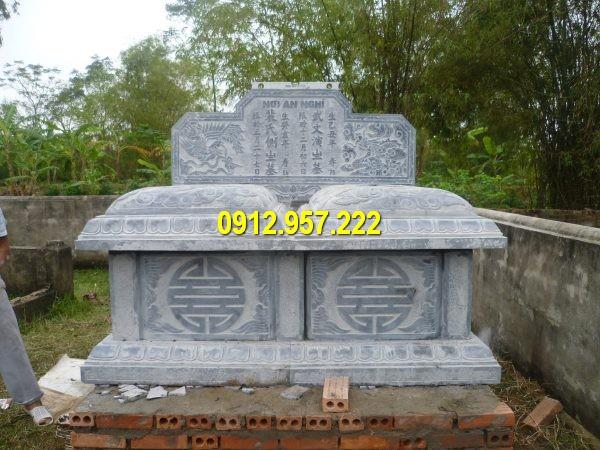 Hình ảnh mẫu mộ đá đôi chuẩn phong thuỷ được thiết kế và thi công bằng đá tự nhiên nguyên khối