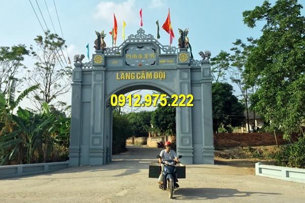 Mẫu cổng đẹp được làm từ đá xanh tự nhiên