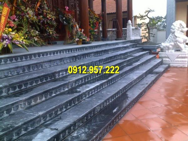 Mẫu bậc tam cấp cầu thang bằng đá xanh đen