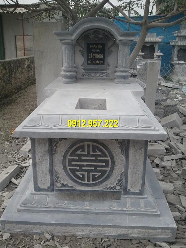 Mộ đá một mái chạm khắc tinh tế
