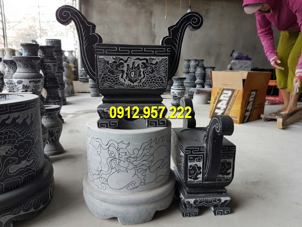 Lắp đặt bát nhang đá ở Quảng Ngãi