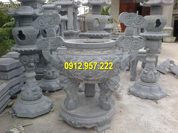 Mua bát nhang bằng đá ở Lâm Đồng