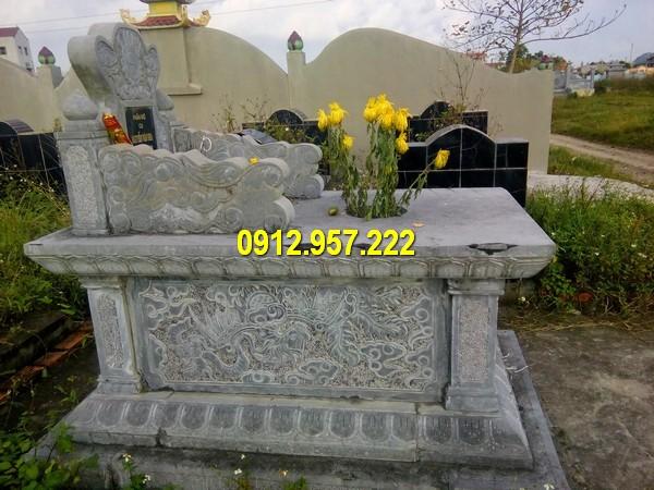 Mộ tam sơn trong khu lăng mộ dòng họ, gia tộc