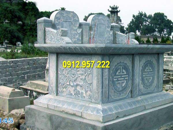 Mộ đôi bằng đá xanh được thiết kế và chế tác thủ công