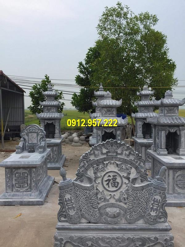 Mộ đá 2 mái thường được sử dụng trong các khu lăng mộ kết hợp cuốn thư đá