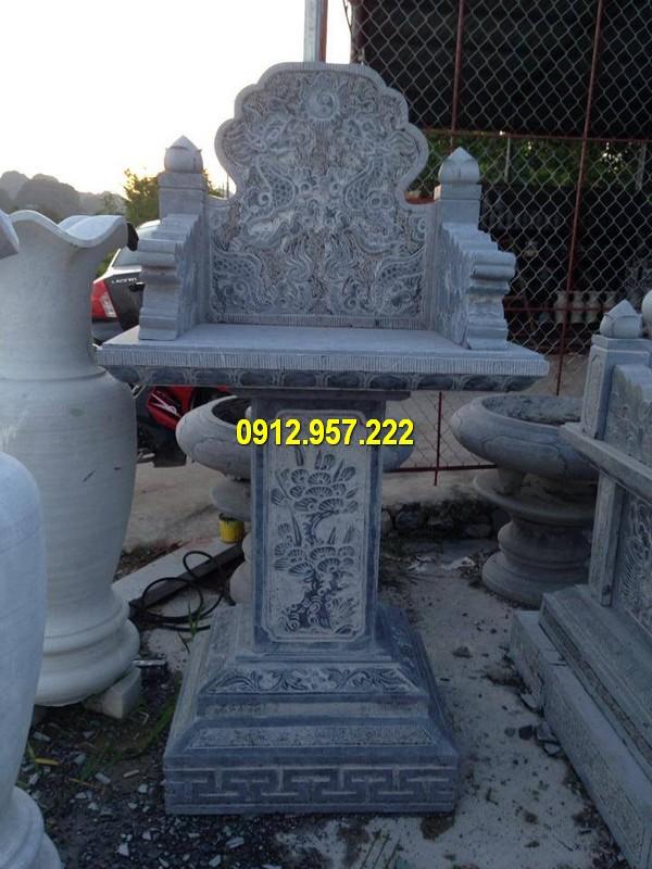 Chế tác bàn thờ ông địa bằng đá ở Vĩnh Phúc