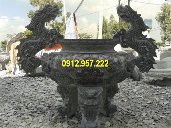 Thi công lư hương bằng đá xanh ở Bình Phước