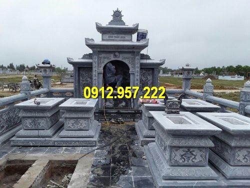 Kiến trúc lăng mộ đá với lăng thờ đá và mộ đá