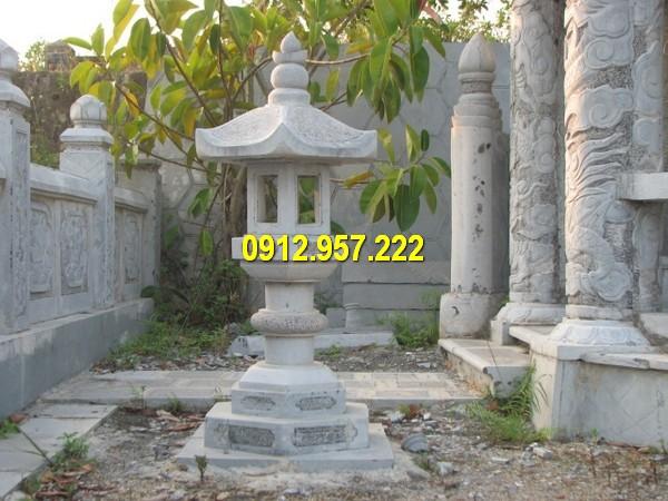 Đèn đá thờ cúng, sân vườn đẹp