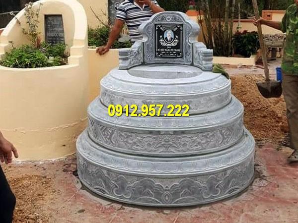 Thân mộ tròn được chạm khắc các hoa văn tinh thế