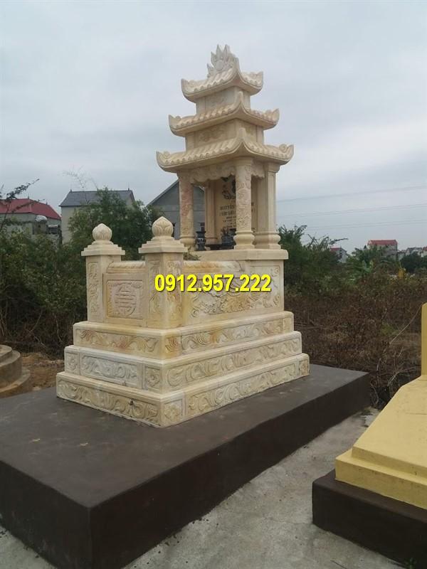 Mộ ba mái đá vàng