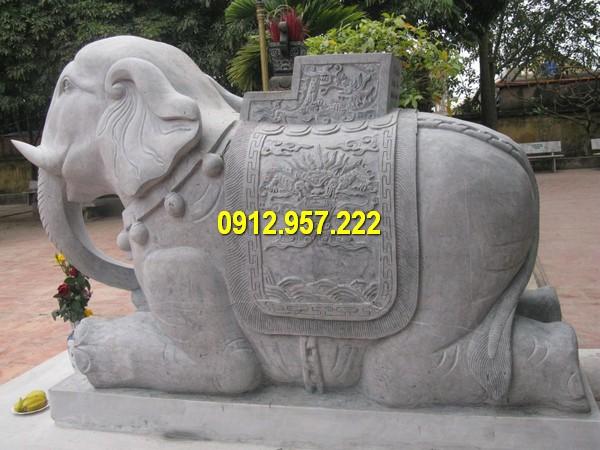 Tượng voi phong thủy có thể giúp vượng gia vận, có tác dụng phong thủy chiêu dẫn đầy đủ tài phúc đến nhà.
