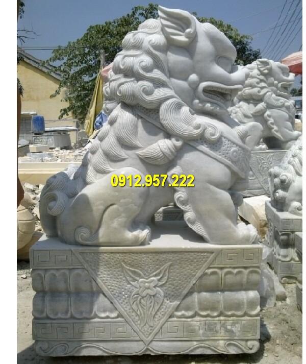 Mẫu tượng sư tử bằng đá điêu khắc thủ công, đường nét tinh tế
