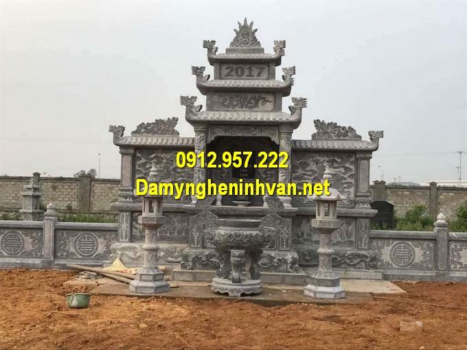 Lăng thờ bằng đá ba mái