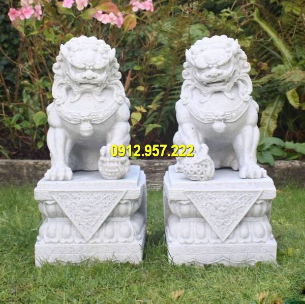 Cặp sư tử đá phong cách Trung Quốc cổ xưa