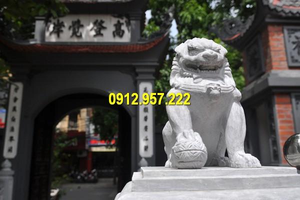 Hình ảnh sư tử đá trước cổng đình, chùa, nhà thờ họ