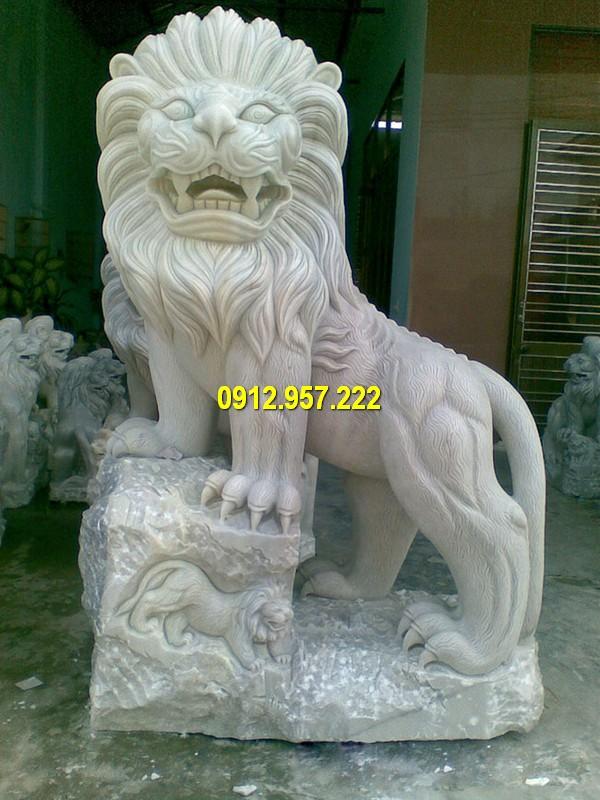 Tượng sư tử đá chế tác đẹp mắt, đường nét tinh tế