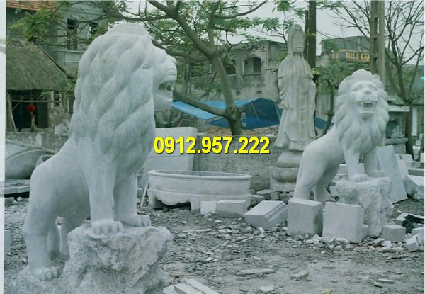 Giá sư tử đá tự nhiên trắng, đá xanh tại làng đá mỹ nghệ Ninh Bình