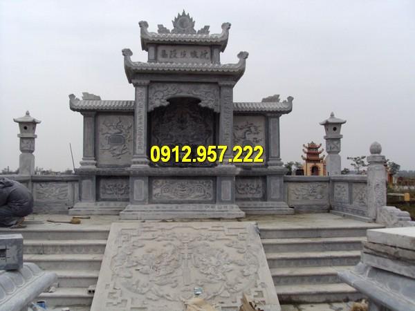 Lăng thờ đá sử dụng làm lăng thờ chung cho toàn bộ các phần mộ bên dưới