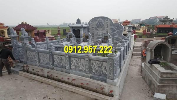 Khu lăng mộ dòng họ được chế tác từ đá tự nhiên