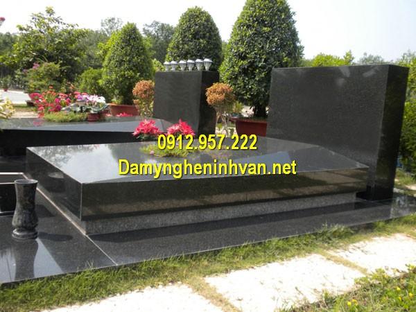 Nhà mồ đá hoa cương ở Đồng Nai