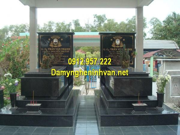 Nhà mồ đá hoa cương ở Bình Phước