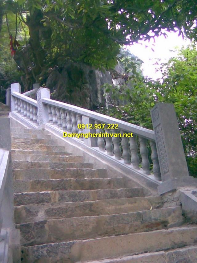 Lan can cầu thang đẹp đơn giản