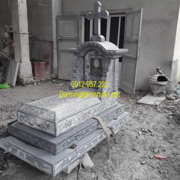 Mộ đá công giáo một mái