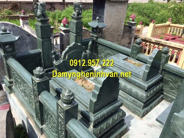 Mộ đá xanh rêu Thanh Hoá