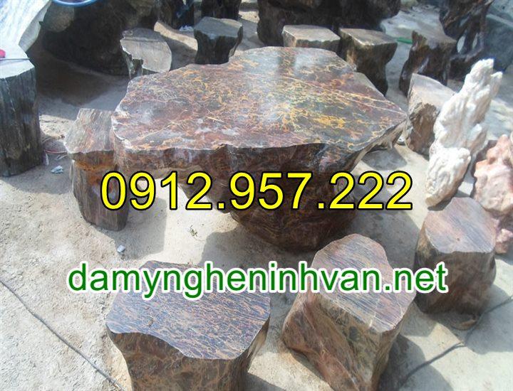 Bàn ghế đá tự nhiên nguyên khối để ngoài trời đẹp cao cấp 04