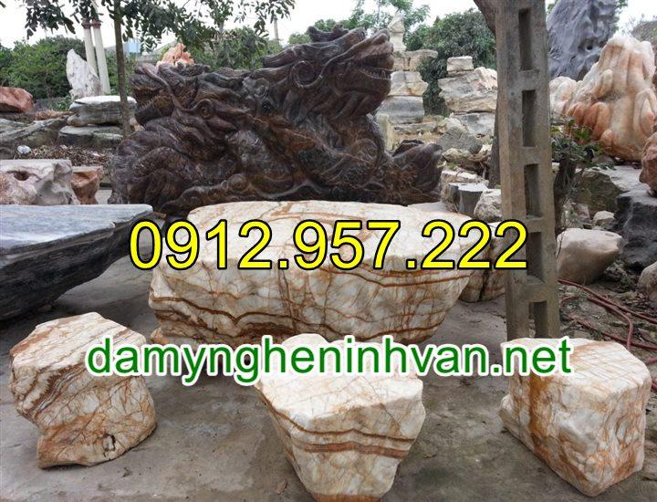 Bàn ghế đá tự nhiên nguyên khối để ngoài trời đẹp cao cấp 09